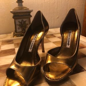 Vintage MANOLO BLAHNIK GOLD PUMPS